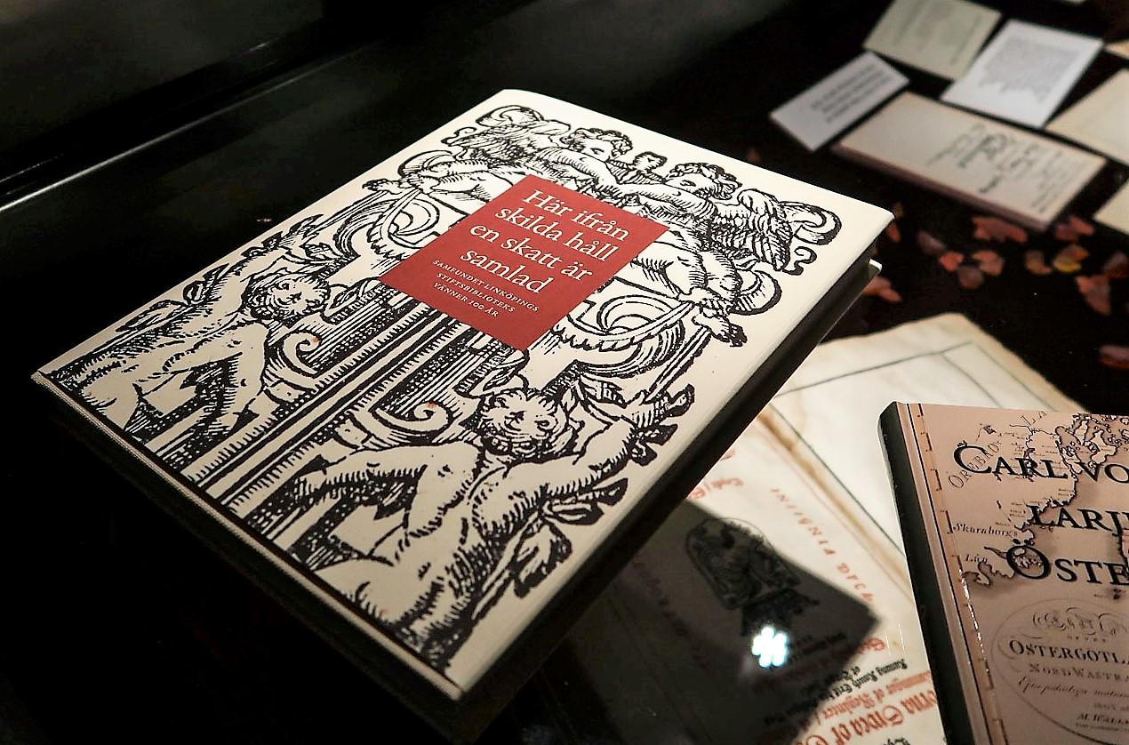 Köp boken